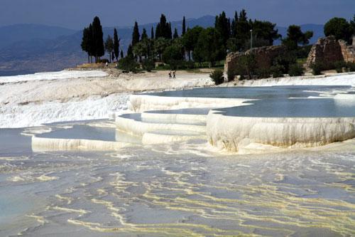 White cotton travertine deposits of Pamukkale